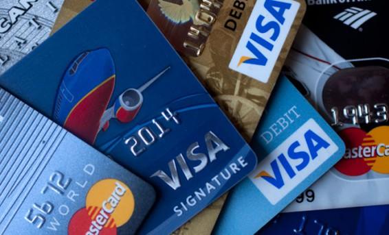 Comment éviter les arnaques Carte Bancaire (CB)